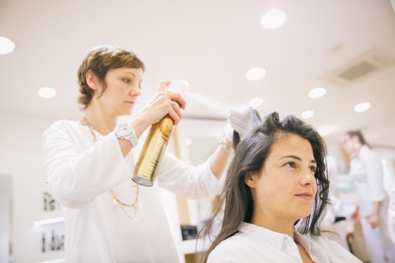 Préparatifs de la mariée au salon Dessange à Tours